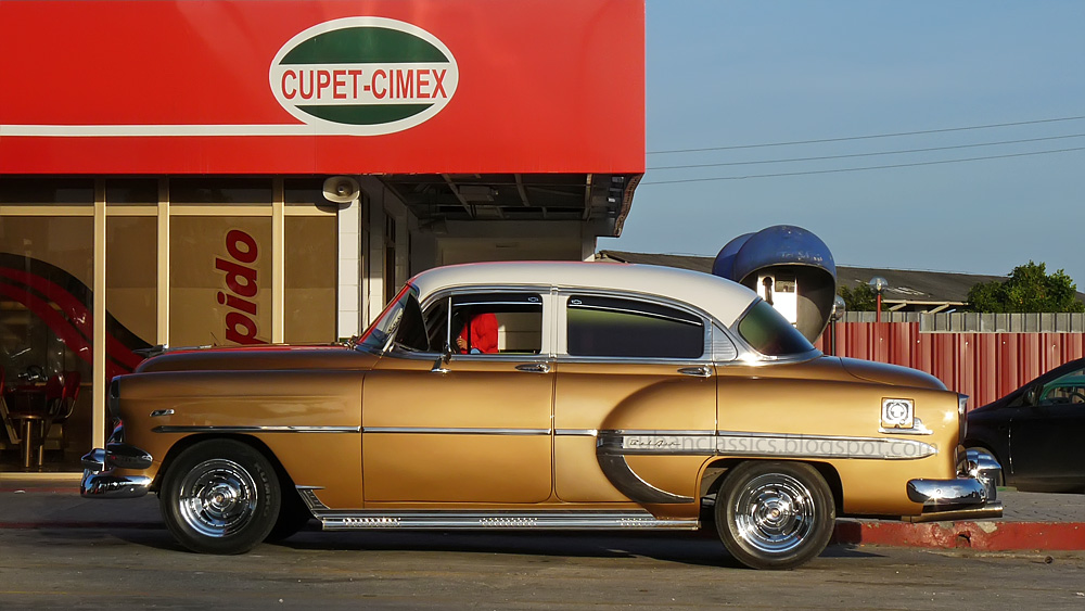 1954 chevrolet bel air 4 door sedan cubanclassics for 1954 belair 4 door