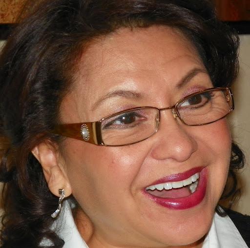 Linda Quiroz Photo 12