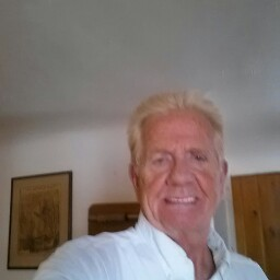 Dennis Brough
