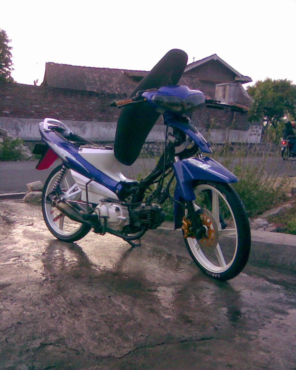 Foto Modifikasi Yamaha Vega Rr