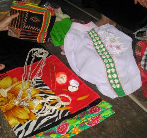 thai3 001 Ý nghĩa chiếc khăn Piêu của bà con dân tộc Thái