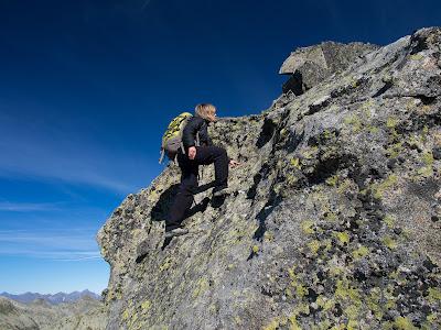 Grimpant cap al pic del Cap de l'Estany
