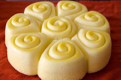 Cotton Cake, so light and pretty and delicious!