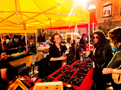 mercat d'art somiatruites primaveral