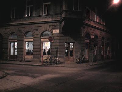 belváros, Budapest, Dob utca, Erzsébetváros, Kis Diófa utca, kocsma, Magyarország, Pub, VII. kerület, zsidónegyed,