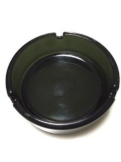 東急ハンズで購入した灰皿