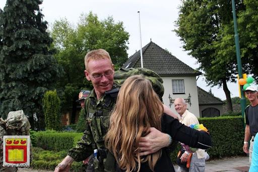 Vierdaagse van Nijmegen door Cuijk 20-07-2012 (1).JPG