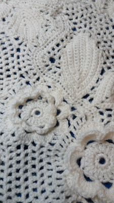Chunky Irish Crochet, close up of rose and leaf medallions