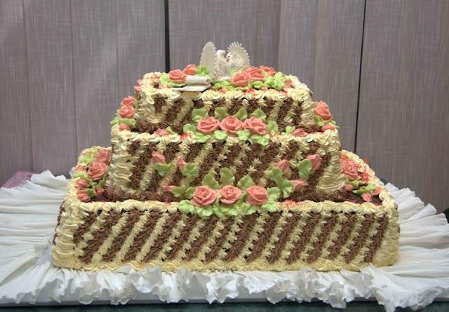 Український весільний торт
