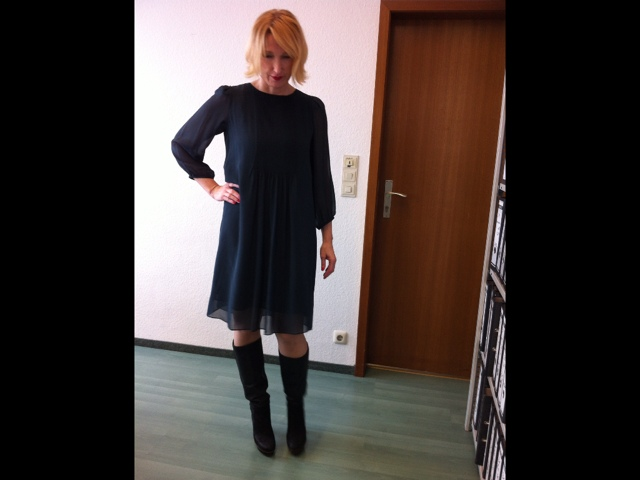 Office/Street-Style im Schumacher Outfit