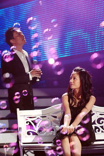 26.12.2007: Triệu Vy & Lý Tuyền : Gương mặt phố thị | 城市的脸