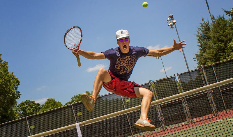 Robbie Loves Tennis