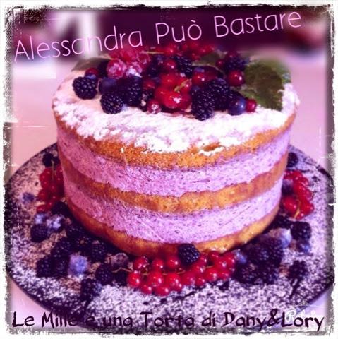 torta nuda con mousse di more selvatiche, mirtilli e ribes rosso