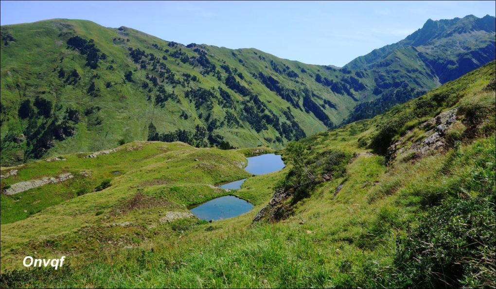 ob_689184_randonnee-aux-lacs-bleu-charles-et-c.JPG