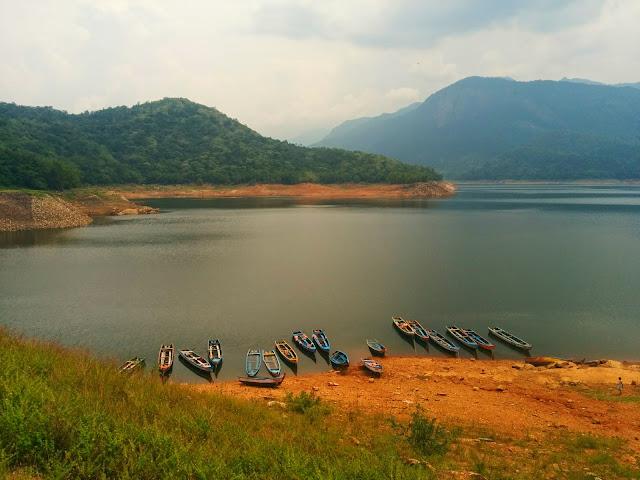 Scenic Karaiyar Dam