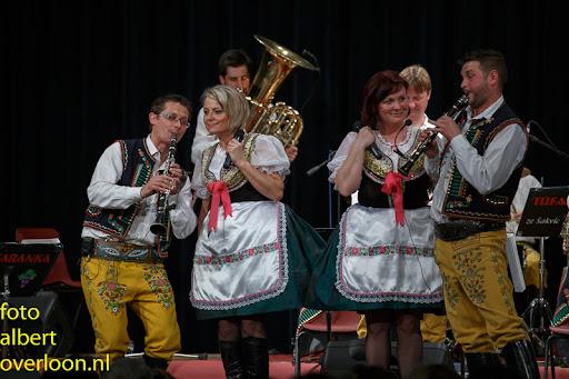 Blaaskapel Freunde Echo met Tufaranka Overloon 19-04-2014 (77).jpg