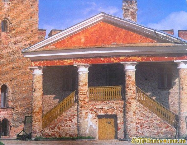 Повітова скарбниця (Єпископський будинок) підготовка до реставрації