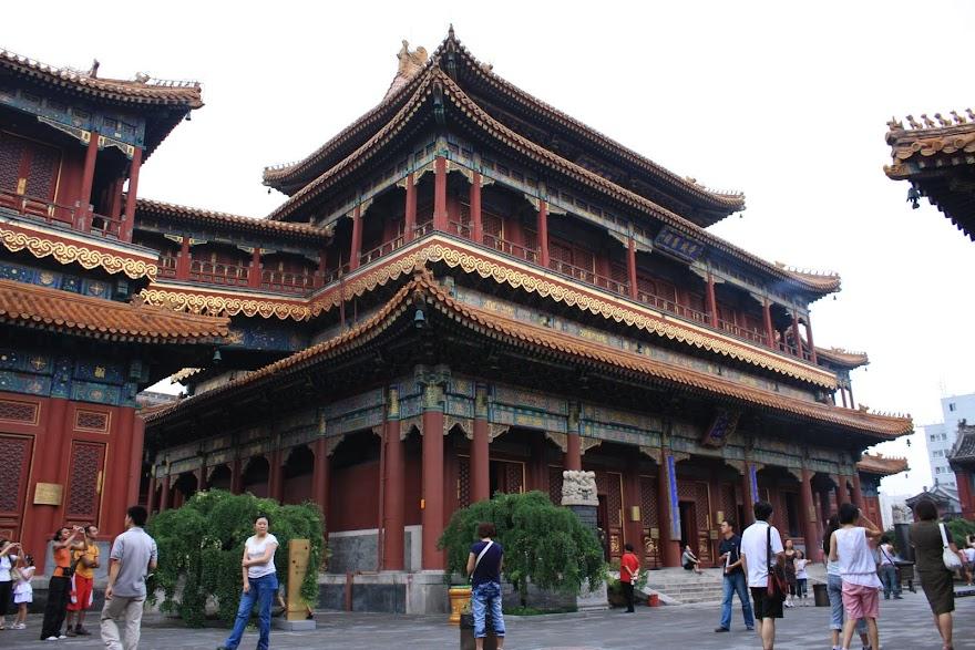 Visitar o TENPLO DOS LAMAS em Pequim e conhecer o budismo chinês | China