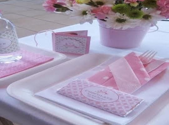 Como decorar el centro de mesa para bautizo frases de for Como decorar un cristal de mesa
