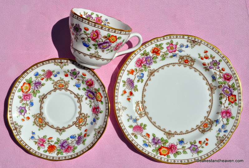 Hand painted Lauriston pattern by Spode