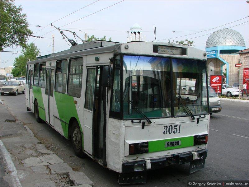 Троллейбус 3051