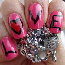 Love escrito nas unhas