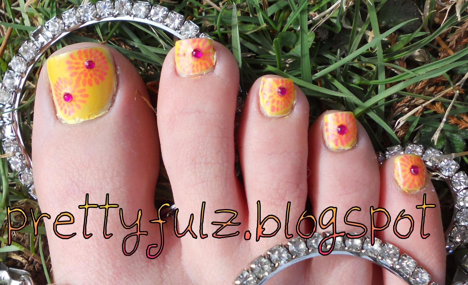 Prettyfulz: KONAD PEDICURE | Summer Sunburst Nail Art Design