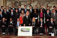 Nos rameuses et rameurs Handi-Aviron Nathalie Benoit, Perle Bouge et Stéphane Tardieu ont reçu la médaille du Mérite des mains du Président François Hollande le 22 février 2013.