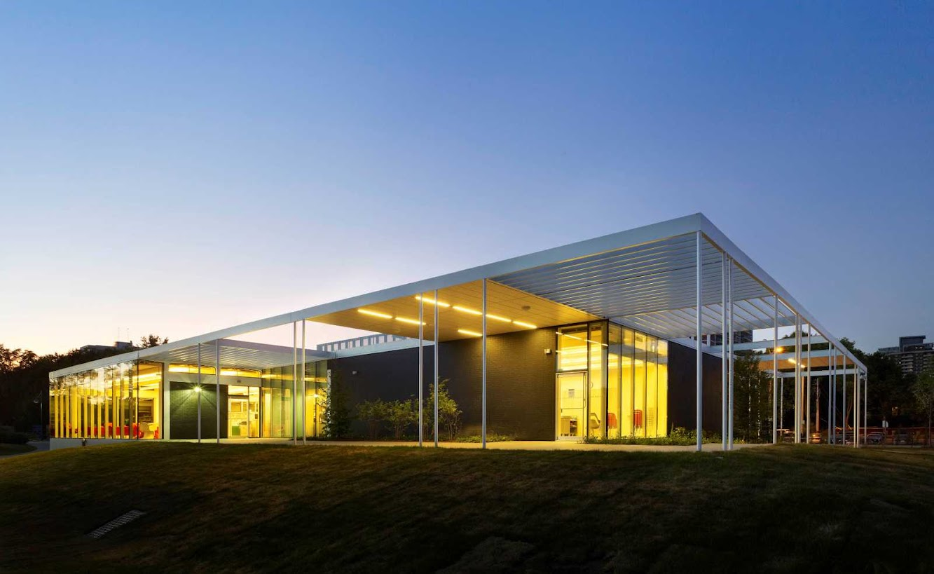 Mississauga, Ontario, Canada: Mississauga Public Library by Rdh Architects