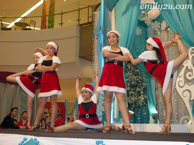 X'mas Dance Performance by Yencci Dance Studio