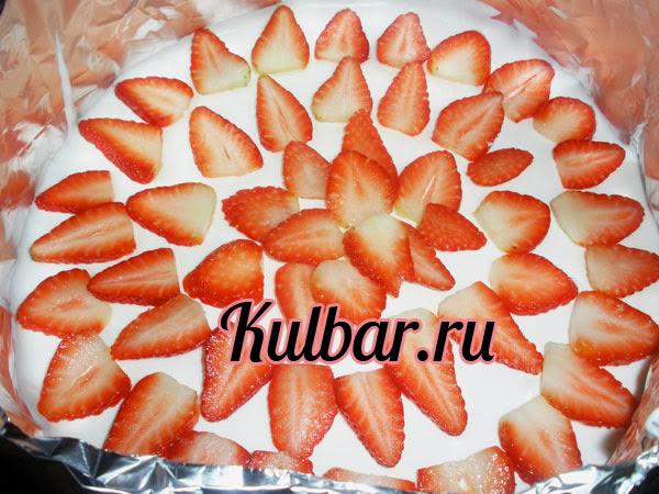 торт с маскарпоне слой с клубникой