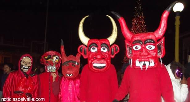 La tradicion, corrida de los diablos y bushes