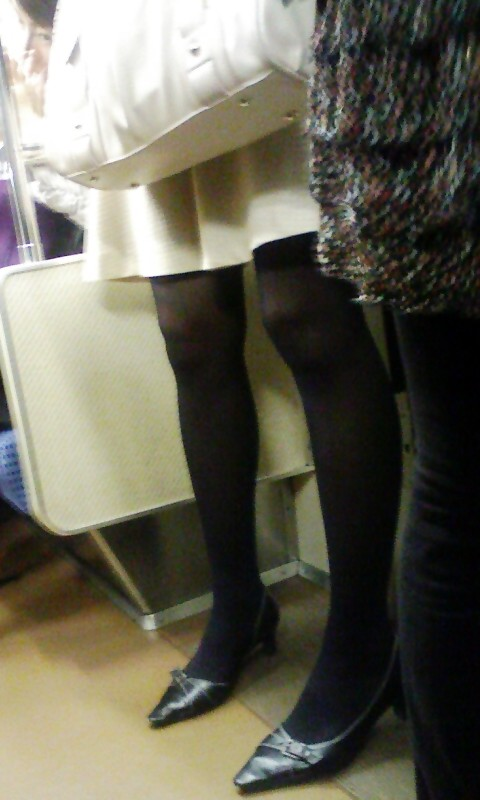 in the train [standing] part 5:upskirt,picasa0
