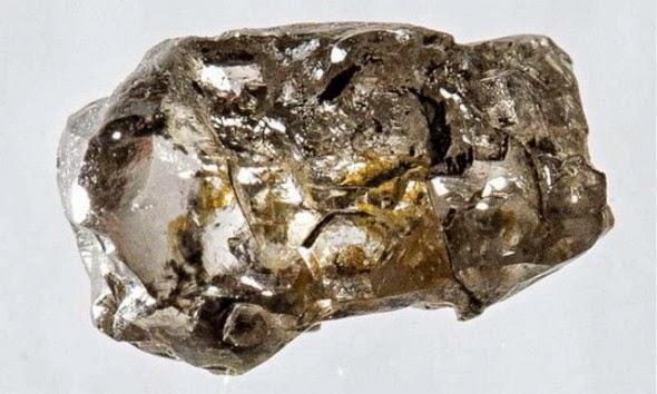 ruwe diamant suggereert ondergrondse zee