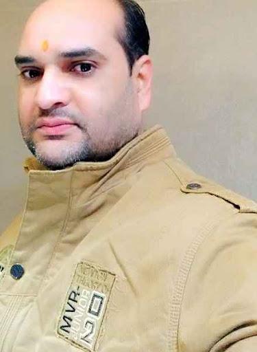 Asutosh Jha's image