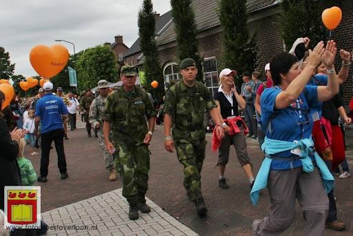 Vierdaagse van Nijmegen door Cuijk 20-07-2012 (18).JPG