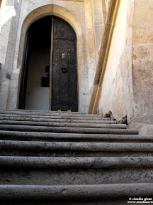 trepe spre castel