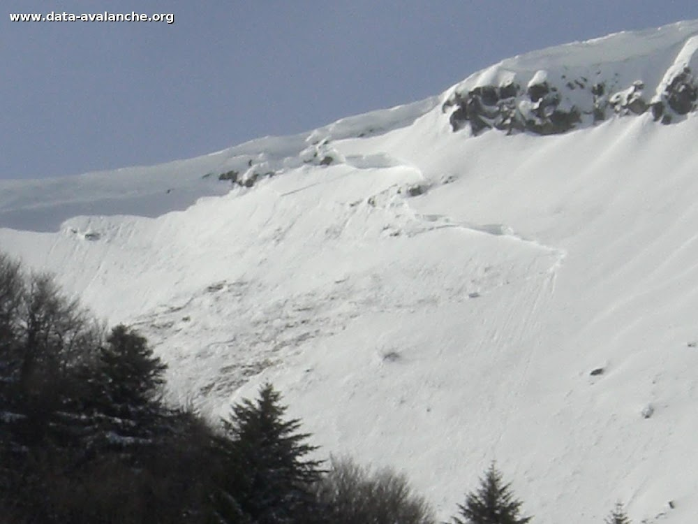 Avalanche Massif Central, secteur Puy de Sancy, Val de Courre - Photo 1