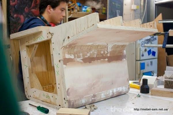 Готовая матрица шаблон по которому будет склеиваться шпон в гнутую фанерную деталь