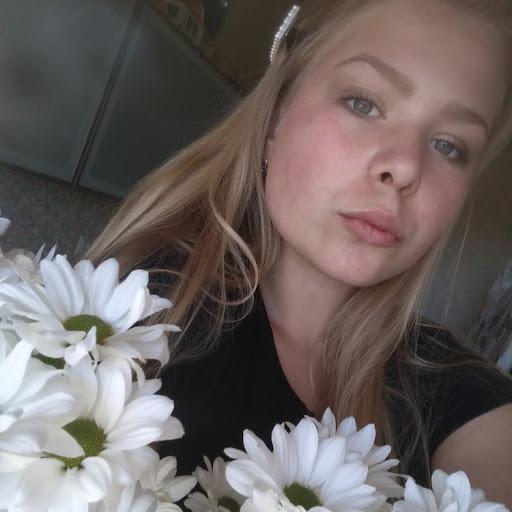 Катя Леонова picture