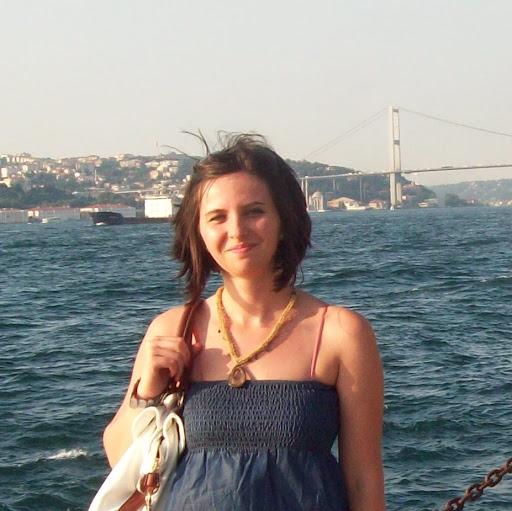 Ayse Sonmez Photo 10