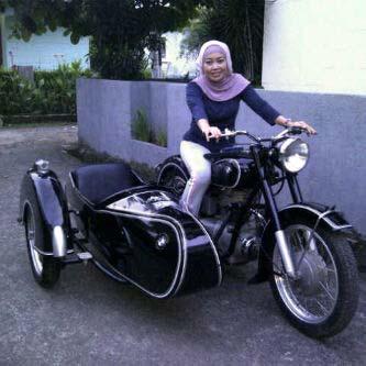 BMW Motorcycle Club Jakarta  BMW R25 3 sespan ERJ