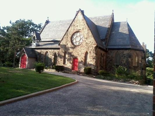 Saint Raymonds Cemetery, 2600 Lafayette Avenue, Bronx, NY 10465, United States
