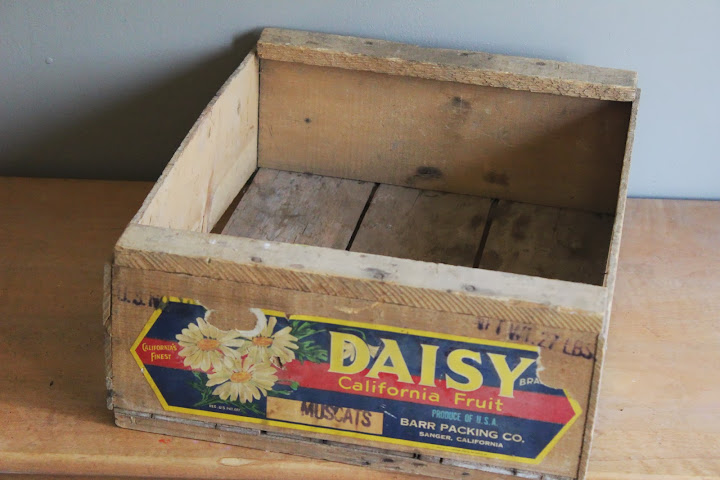 Daisy fruit crate available for rent from www.momentarilyyours.com, $4.