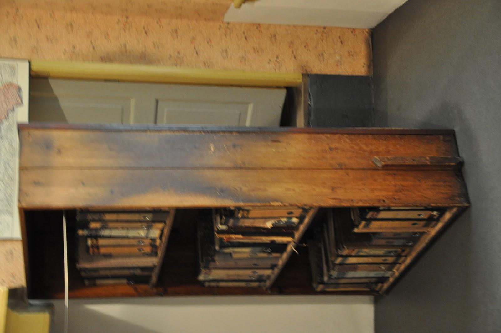 the gallery for anne franks secret annex floor plan. Black Bedroom Furniture Sets. Home Design Ideas