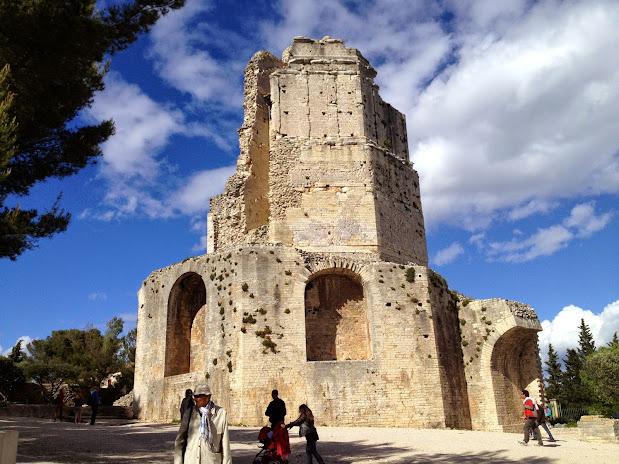 Тур-Мань (Tour Magne) - «Великая башня» Достопримечательности Нима (Nîmes)