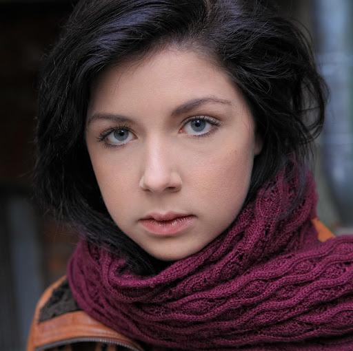 Elena Weber Photo 14