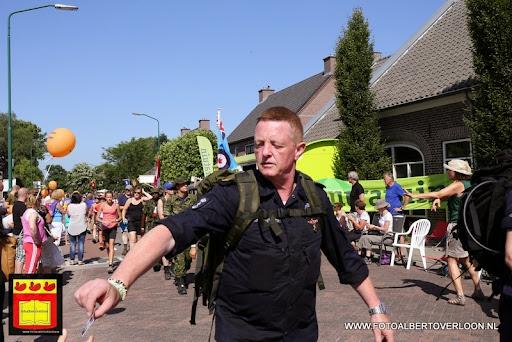 Vierdaagse Nijmegen De dag van Cuijk 19-07-2013 (11).JPG