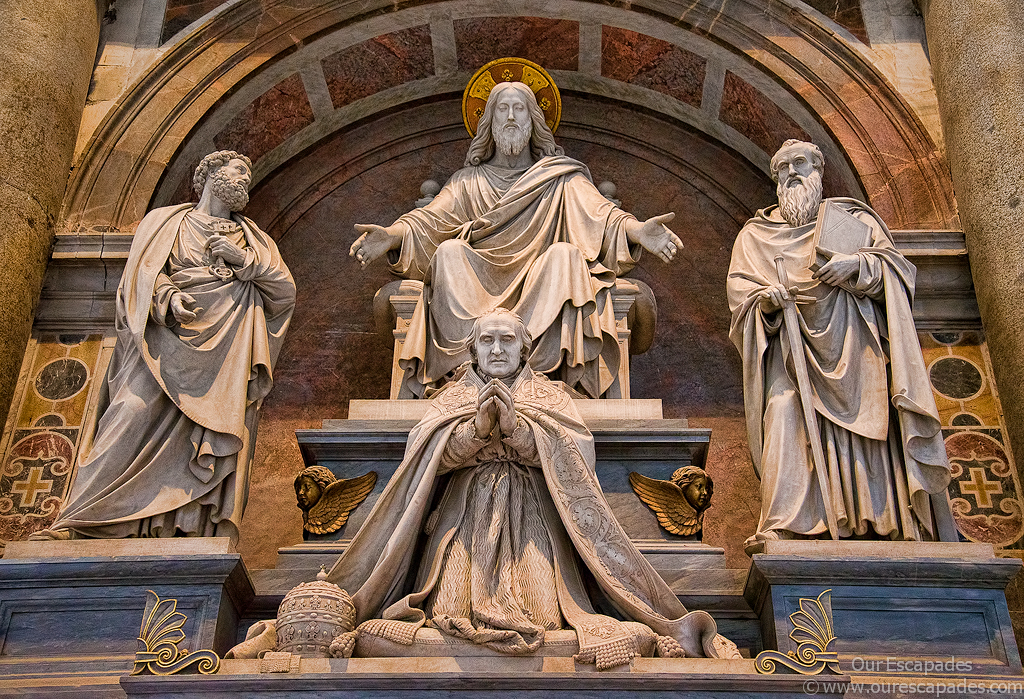 Statues inside Saint Peters Basilica