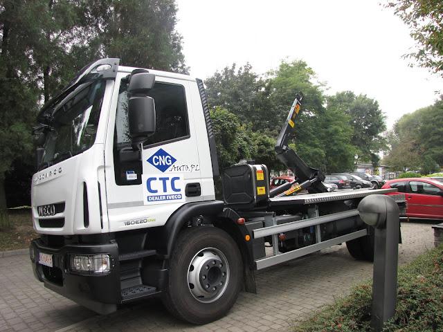 Iveco Eurocargo CNG w zabudowie komunalnej typu hakowiec